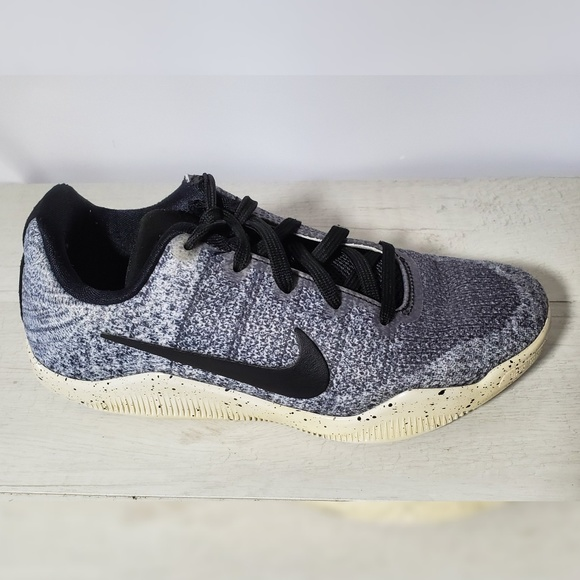 separation shoes 49fb9 3b74b Nike Kobe 11 XI Elite Low Oreo youth sneakers.